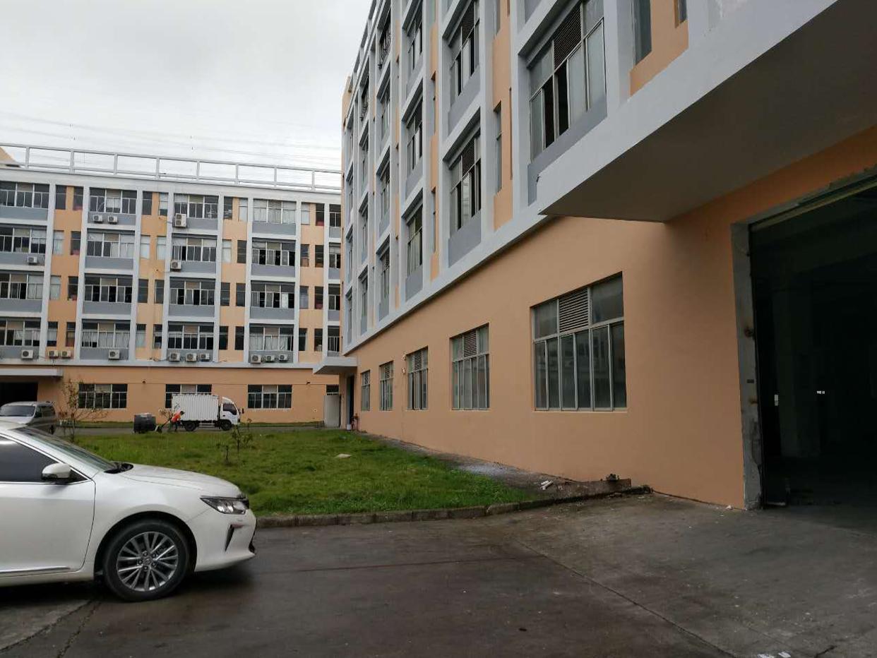 光明新区原房东独院10000平方厂房出租