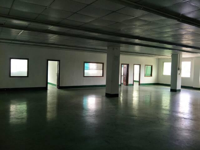 宝安福永和平楼上带简装修标准厂房