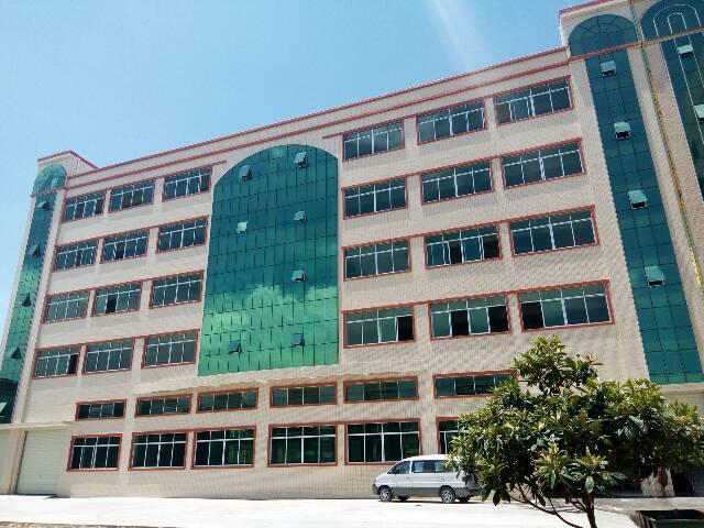 新出豪华装修厂房2000平米一整层。