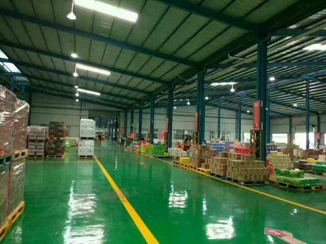专业物流仓库一楼1万平方招租。带卸货平台