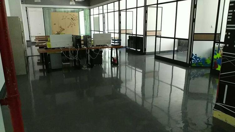 布吉第三人民医院或联创科技园客户无转让费出租1100平方