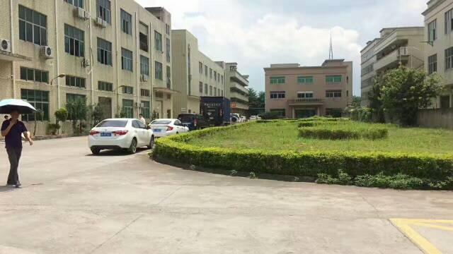 观澜大和路附近新出楼上720平方带精装修厂房出租