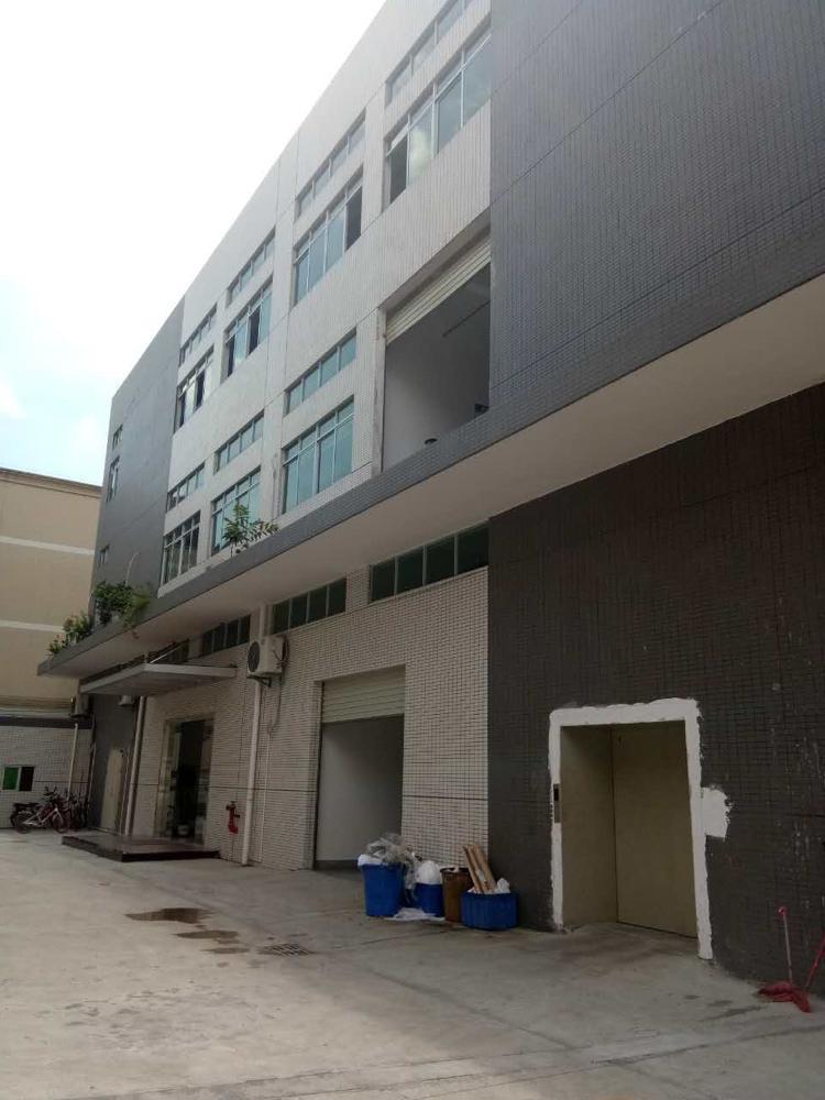 全新厂房3楼招租1800平