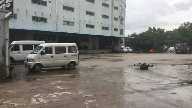 平湖新出物流仓库3500平方米带卸货平台