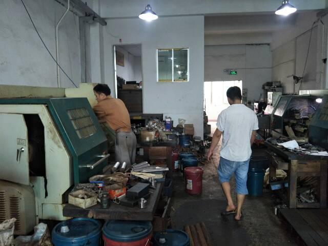 龙华小面积厂房:300平米招租
