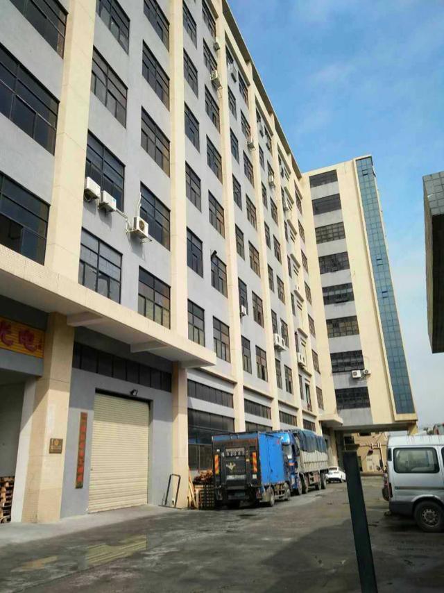公明南光高速出口楼上2200平方带豪华装修厂房出租
