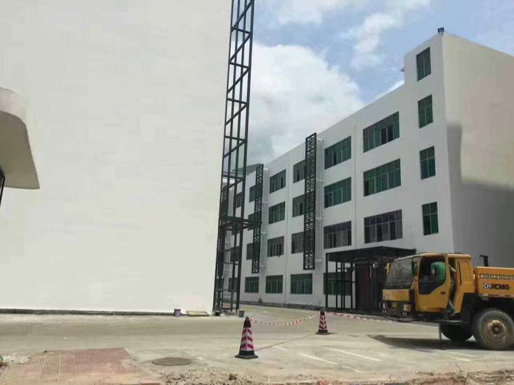 西丽关口楼上两层2200平米可分一层1100平米