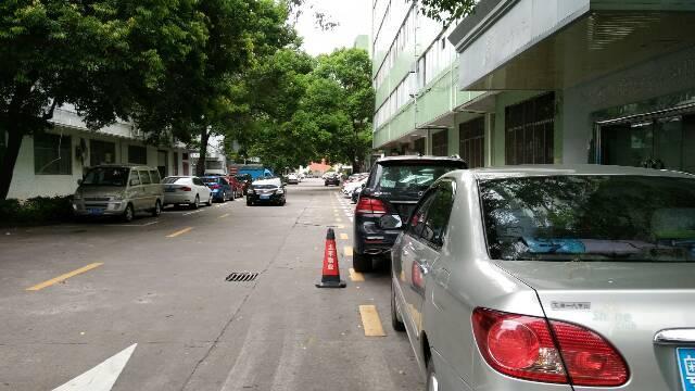 坂田天虹商场旁一楼厂房650平
