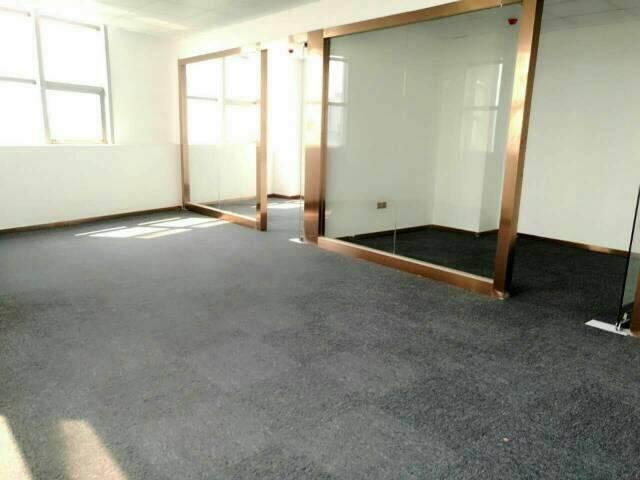 志连达精装写字楼招租,最小80平起,可带家具出租,70每平米图片4