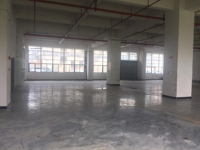公明蒋石靠南光高速口大型工业园标准厂房一楼2100
