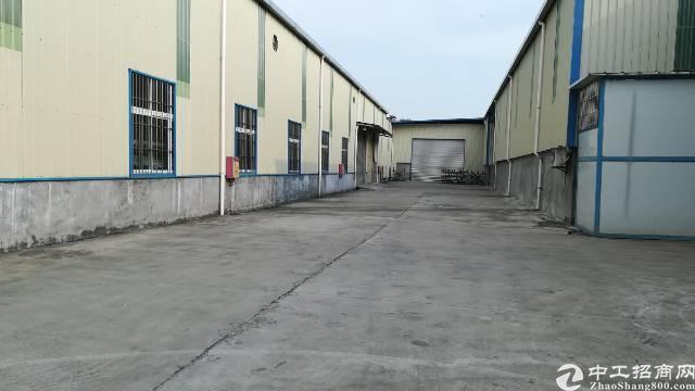 南城地铁口附近新出9米高钢结构厂房4500平方租5.5万