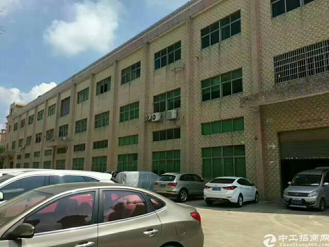 福永桥头地铁站附近新出楼上整层3600厂房出租