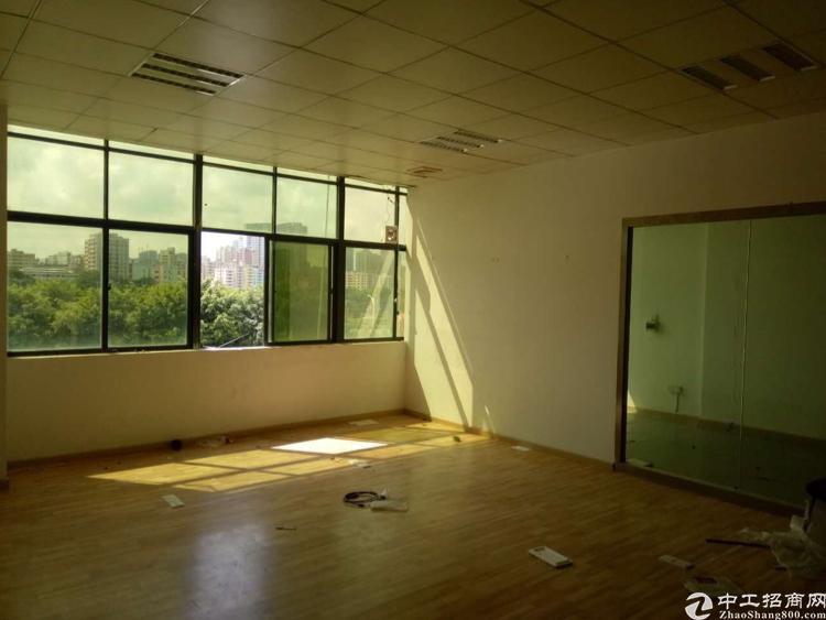 龙华清湖地铁口400百米精装修2楼1150平出租