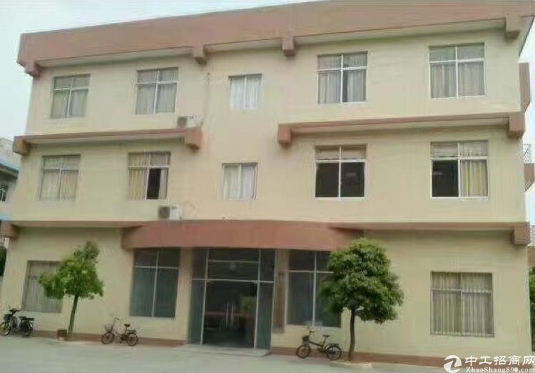 独院4层旅馆超低价出租共52个房间简装 无需转让费 合同最长