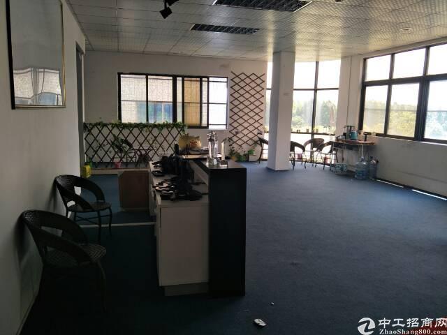 道滘300平米带现成装修办公室出租