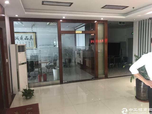 福永桥头宝安大道附近,楼上3200平方,带装修,交通方便