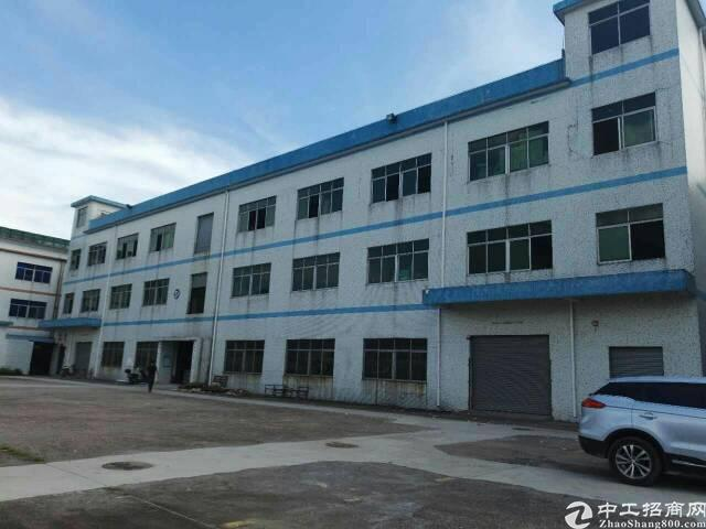 平湖辅城坳楼上新出1500平方米带装修厂房招租