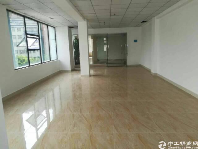 龙华富士康南门,大工业区,楼上300平带精装修,电商,仓库等