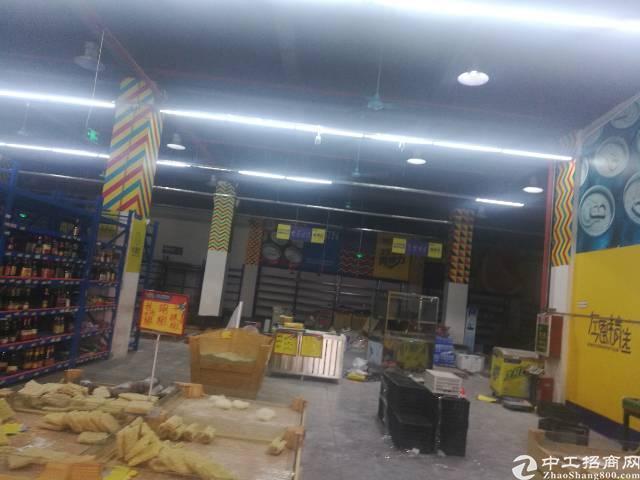 杨屋村商业广场整体招租,适合做物流仓库,商场,工厂。-图3