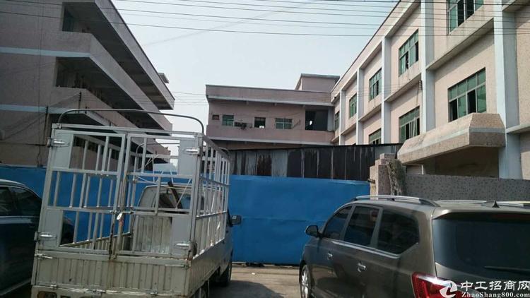 黄江镇新出靠深圳小独院6500平方标准厂房出租