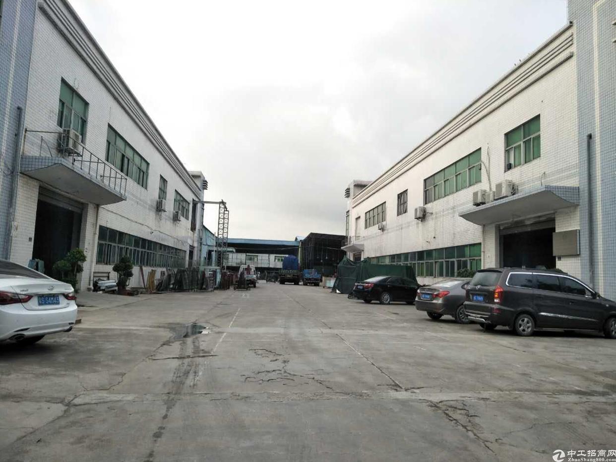 公明南光高速出口2个4000平米的小独院出租共8000平米