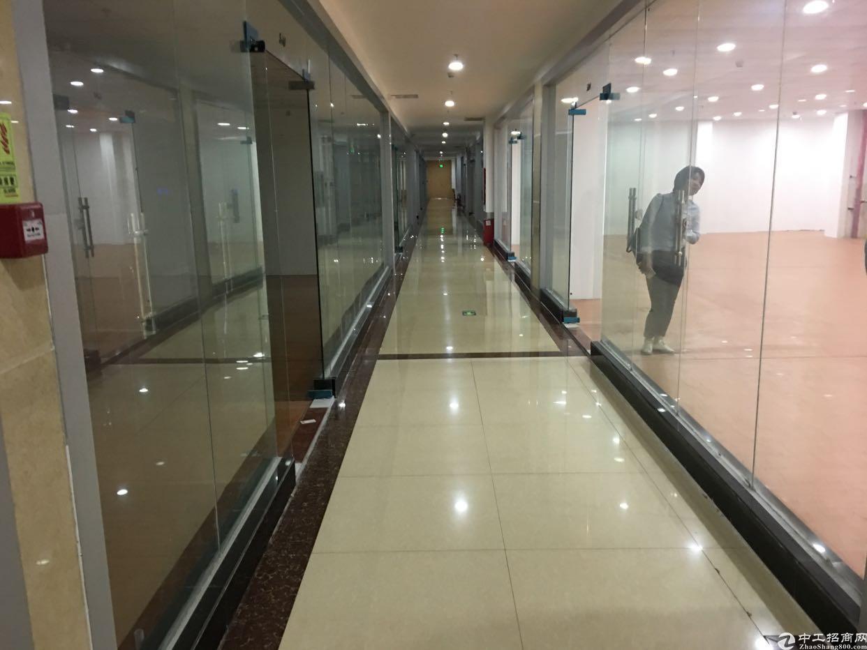 清湖地铁口高端写字楼180平,豪华装修,实用率高,无需转让费
