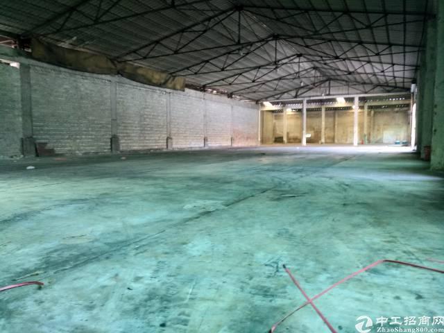 高埗镇工业区单一层铁皮房2500平租金11