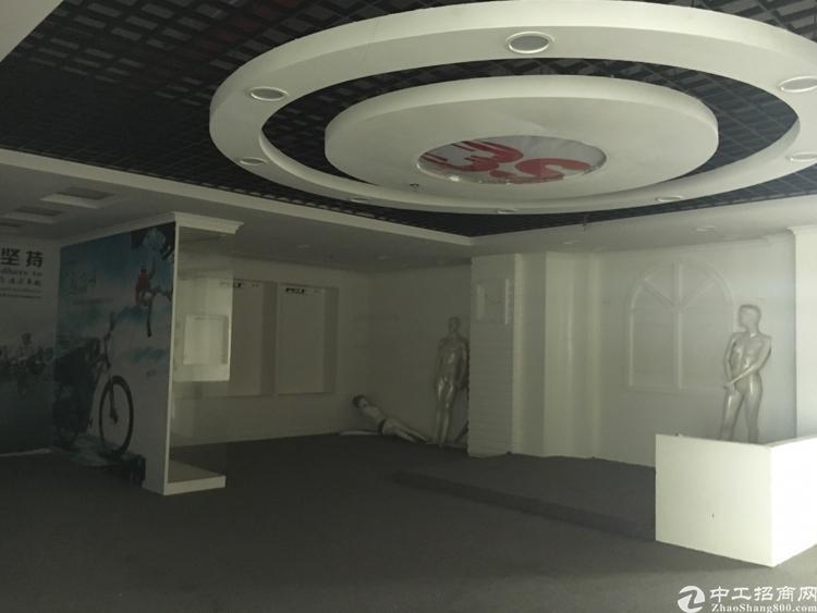 光明高新区楼上1300平方,精装修!无转让费!现房!