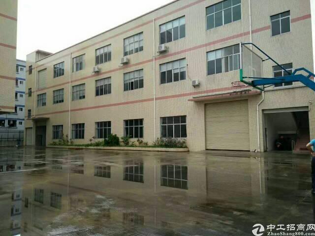 清溪靠塘厦新出楼上带现成装修厂房800平米招租