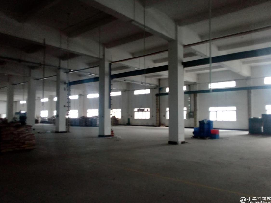 重工业厂房2楼6米高,两部3吨货梯