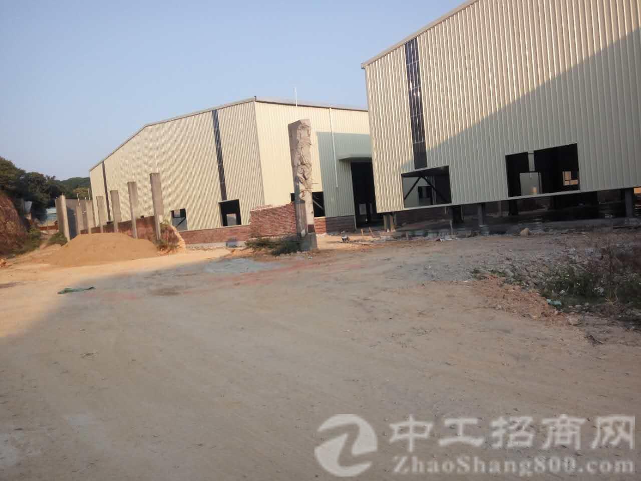 独院标准厂房一栋5400平的,带消防喷淋,一楼7米多高带行车-图2