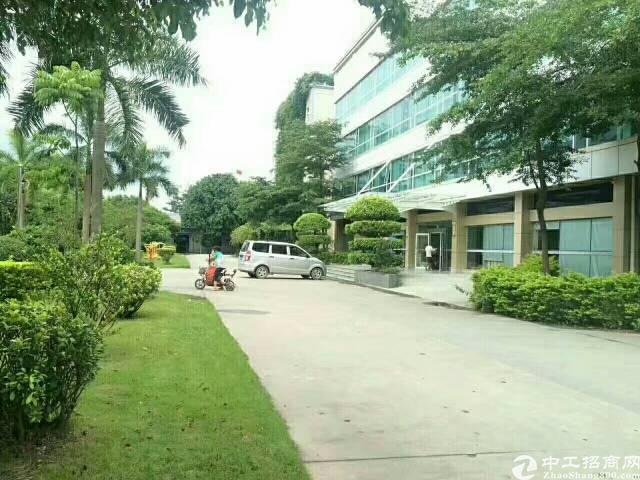 花园式标准厂房二楼1400平出租,高速出口附近