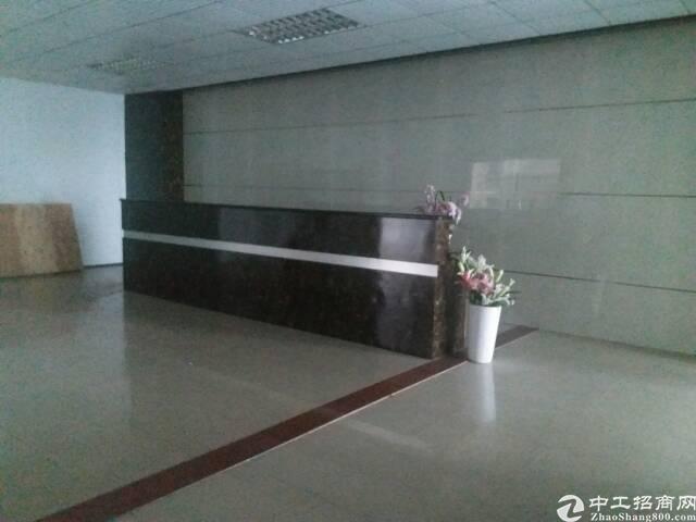 龙胜地铁口原房东厂房3楼650平方,现成装修,适合电商
