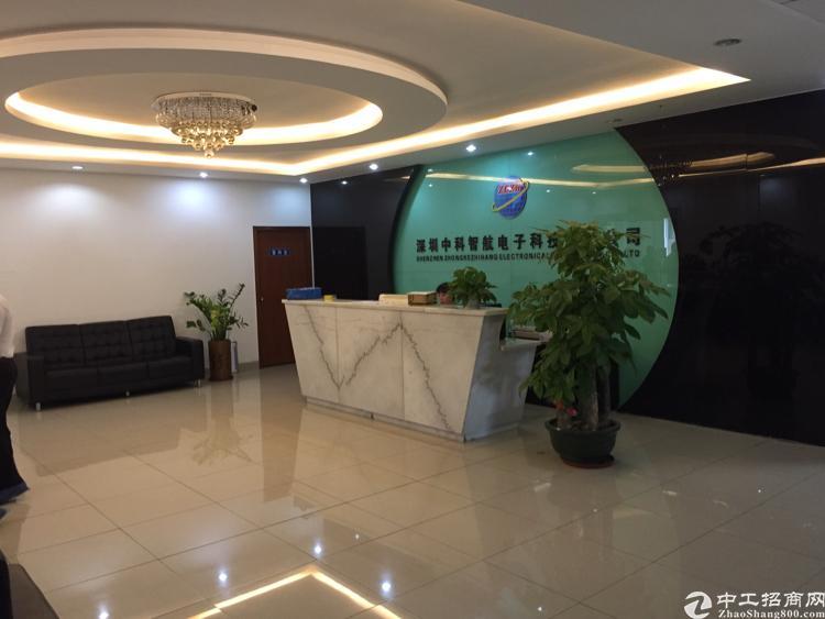 福永沿江高速出口整层1800平米精装修厂房出租
