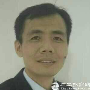 厂房经纪人朱建华