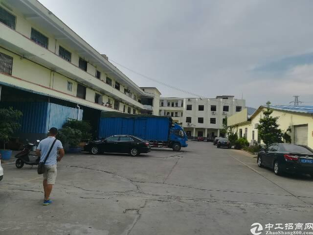 清溪镇原房东标准二楼厂房4300平