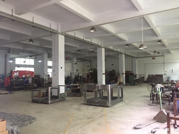公明楼村1500平米一楼厂房招租