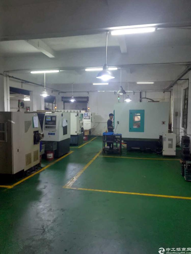 长安乌沙大润发旁新出楼上带办公室精装修厂房320平方招租-图4
