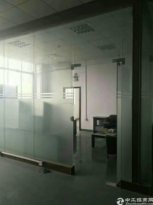 公明玉律新出楼上1000平米精装修厂房,三吨货梯,园区空地大