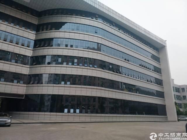 光明新区红本高新产业园厂房招租每层面积6000平报价17元
