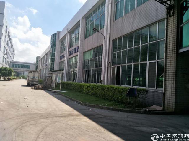 坪山新出科技园楼上480平仓库16块标准厂房
