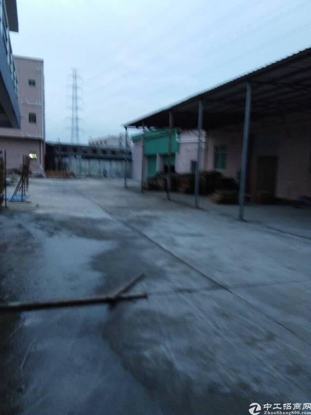 黄江附近新出砖墙到顶钢构
