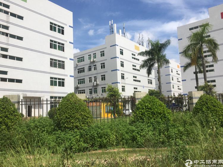 石岩宏发高新园2-3楼6400平方厂房招租