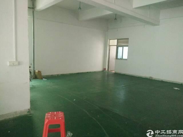 清湖地铁口带装修一楼430平厂房招租