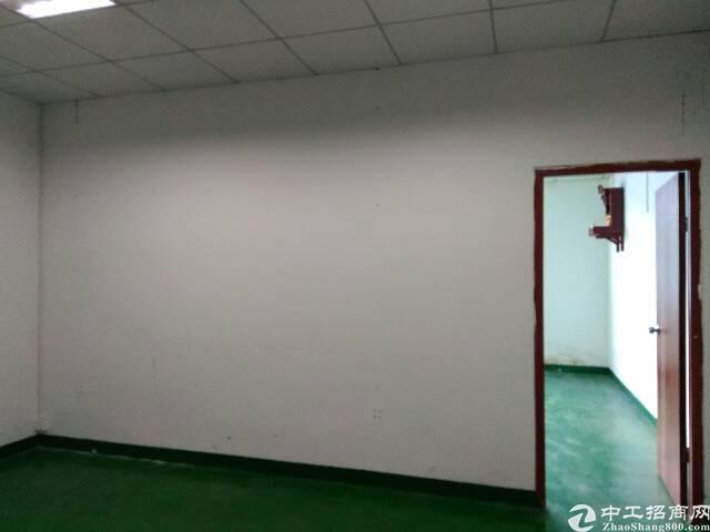 霄边新出楼上960平方带装修厂房招租