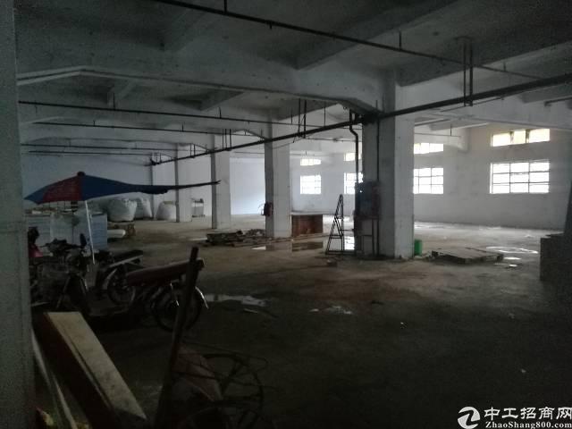 西乡固戍一楼780平米厂房,租33,带特大卸货台