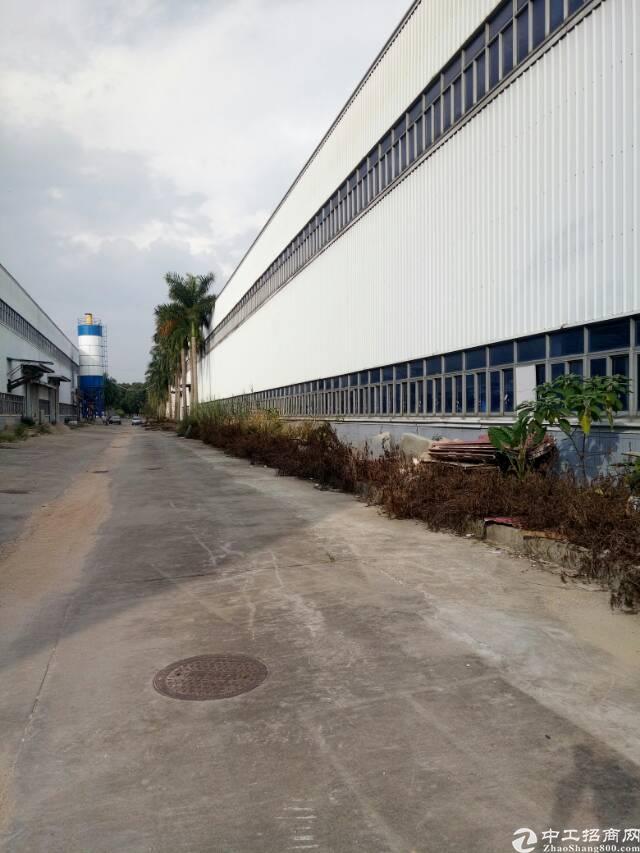 红本钢构厂房买卖,靠近高速旁,面积10000平方米