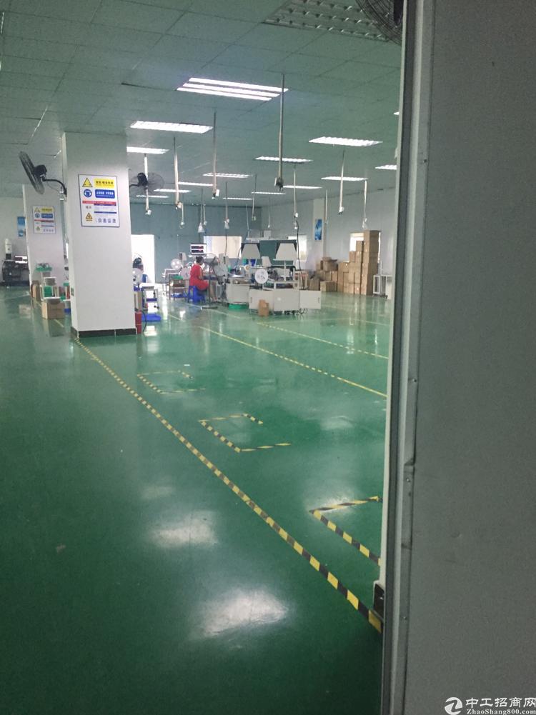 大岭山镇新出标准厂房二楼厂房装修水电齐全2250平方低价出租