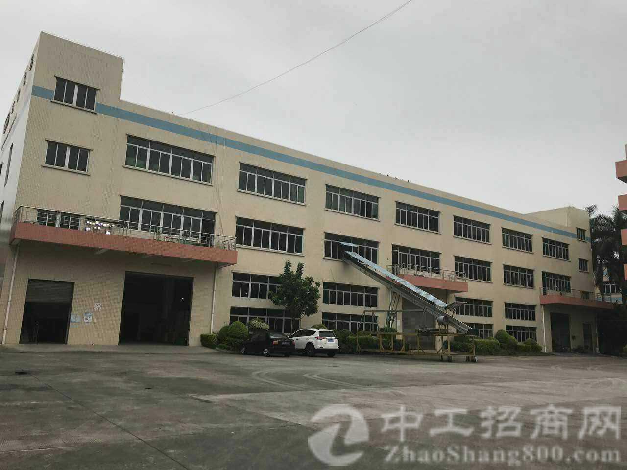 茶山经典小独院,厂房1-3层6860平带2T电梯,一楼5.3