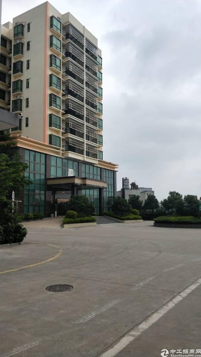 原房东楼上一整层2400平米豪华装修厂房出租